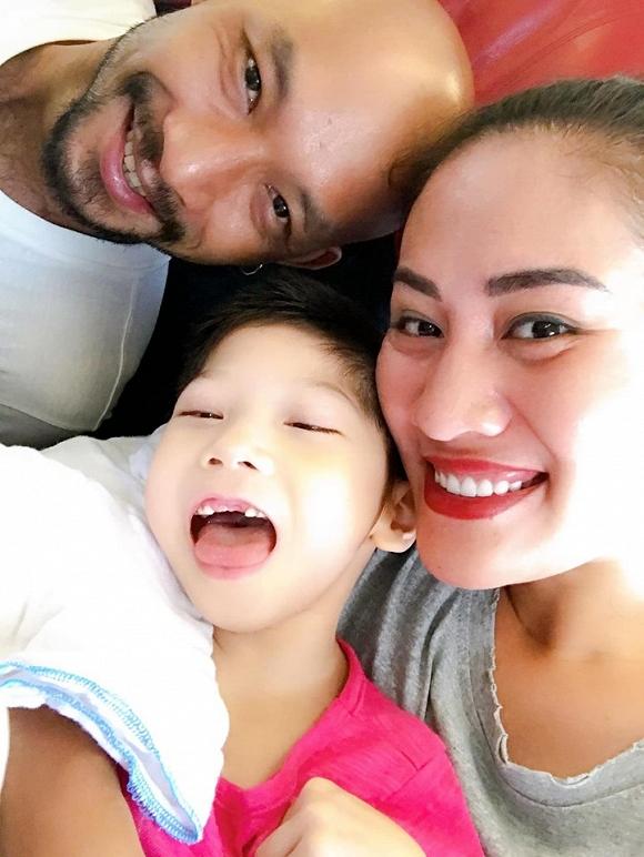 3.Diễn viên Minh Cúc 'Về nhà đi con' kể về hành động ấm áp của bạn trai với con gái riêng của mình khi đi du lịch12