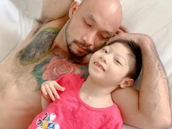 3.Diễn viên Minh Cúc 'Về nhà đi con' kể về hành động ấm áp của bạn trai với con gái riêng của mình khi đi du lịch13