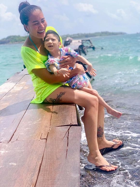 3.Diễn viên Minh Cúc 'Về nhà đi con' kể về hành động ấm áp của bạn trai với con gái riêng của mình khi đi du lịch2