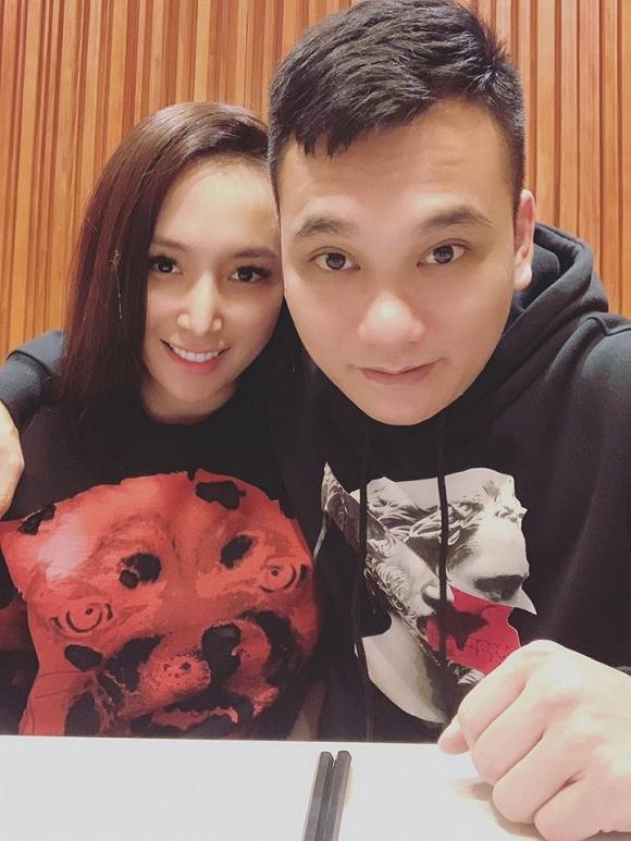 35.Nhan sắc ngày càng khác lạ của vợ ca sĩ Khắc Việt2