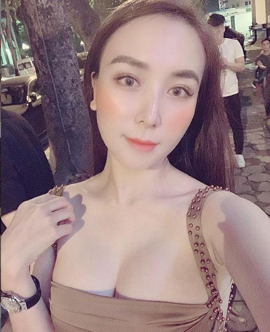 35.Nhan sắc ngày càng khác lạ của vợ ca sĩ Khắc Việt7