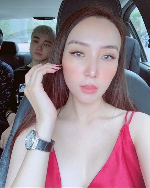 35.Nhan sắc ngày càng khác lạ của vợ ca sĩ Khắc Việt9