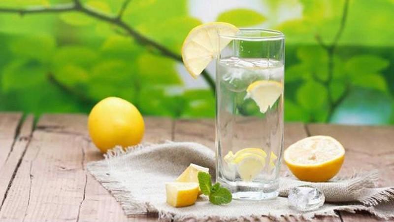 4. uống chanh pha loãng để giảm cân1