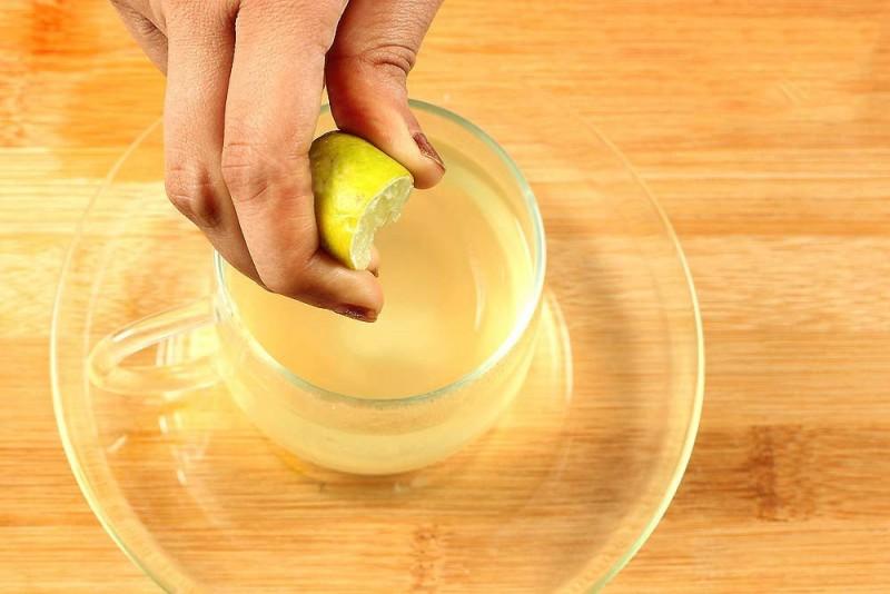 4. uống chanh pha loãng để giảm cân2