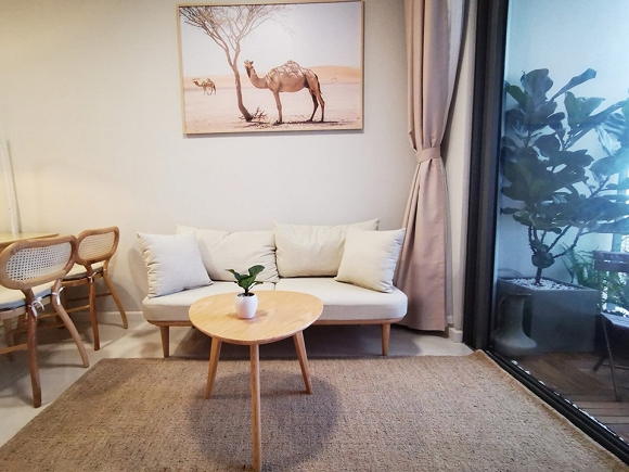 Không gian phòng khách bên trong căn hộ của Trần Thị Quỳnh