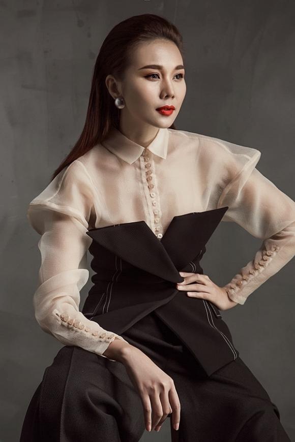 """Liên tục được fan """"đẩy thuyền"""" với Hà Anh Tuấn nhưng ở tuổi 36, siêu mẫu Thanh Hằng vẫn độc thân."""