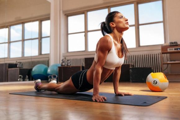 Bài tập yoga thư giãn trước khi đi ngủ giúp diệt mỡ bụng và cải thiện chứng mất ngủ