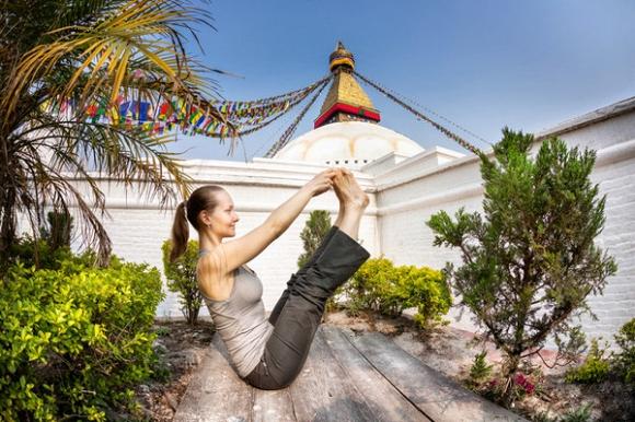 5 bài tập yoga thư giãn trước khi đi ngủ giúp diệt mỡ bụng và cải thiện chứng mất ngủ2
