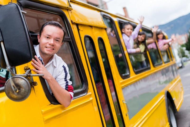 8. Để con nhỏ đi học bằng xe đưa đón của trường1