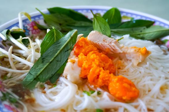 Món bún cá Kiên Giang quyện giữa vị của đồng bằng và biển cả