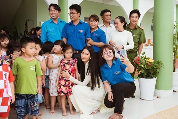A Hau Hoang Thuy (25)