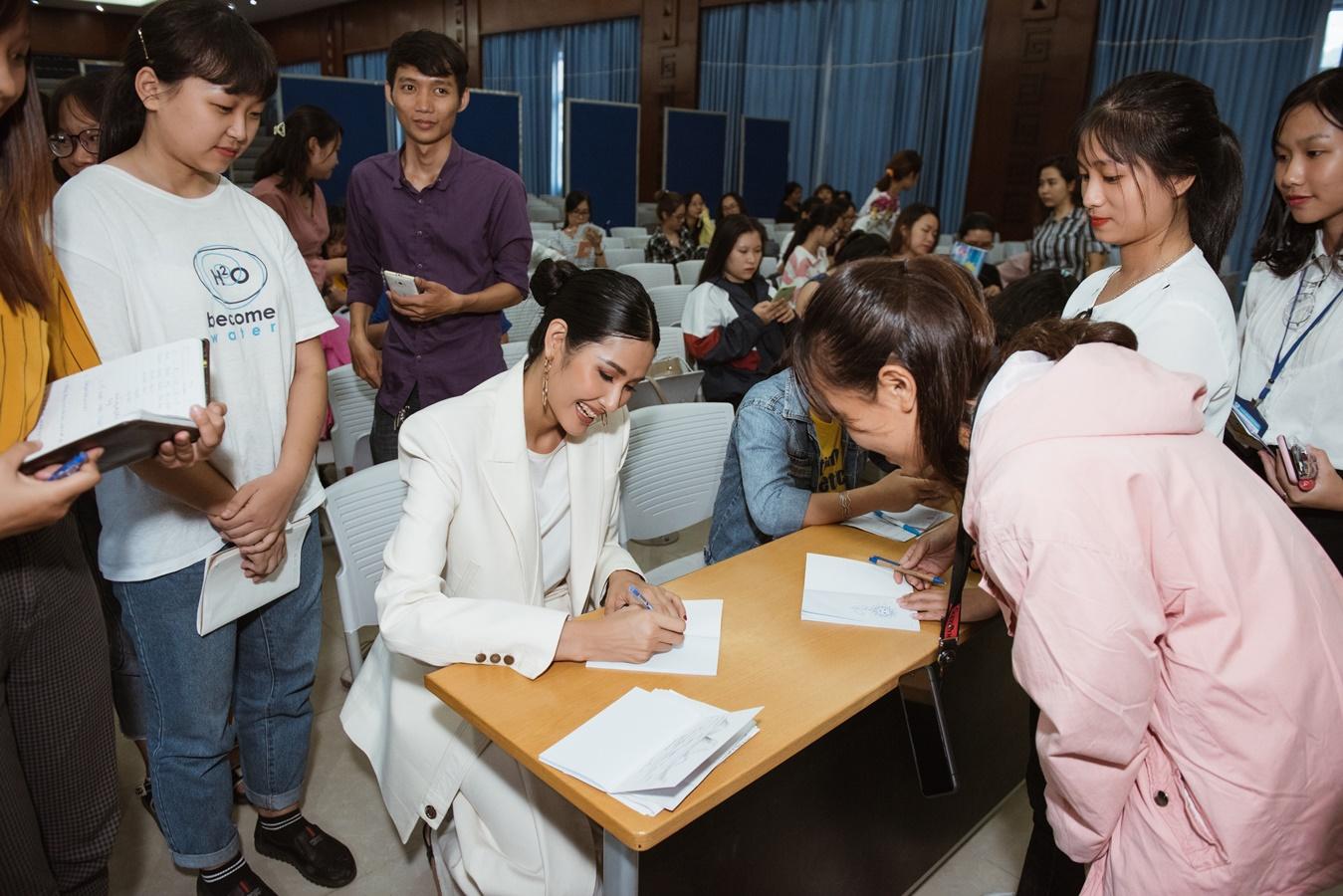 A Hau Hoang Thuy (26)