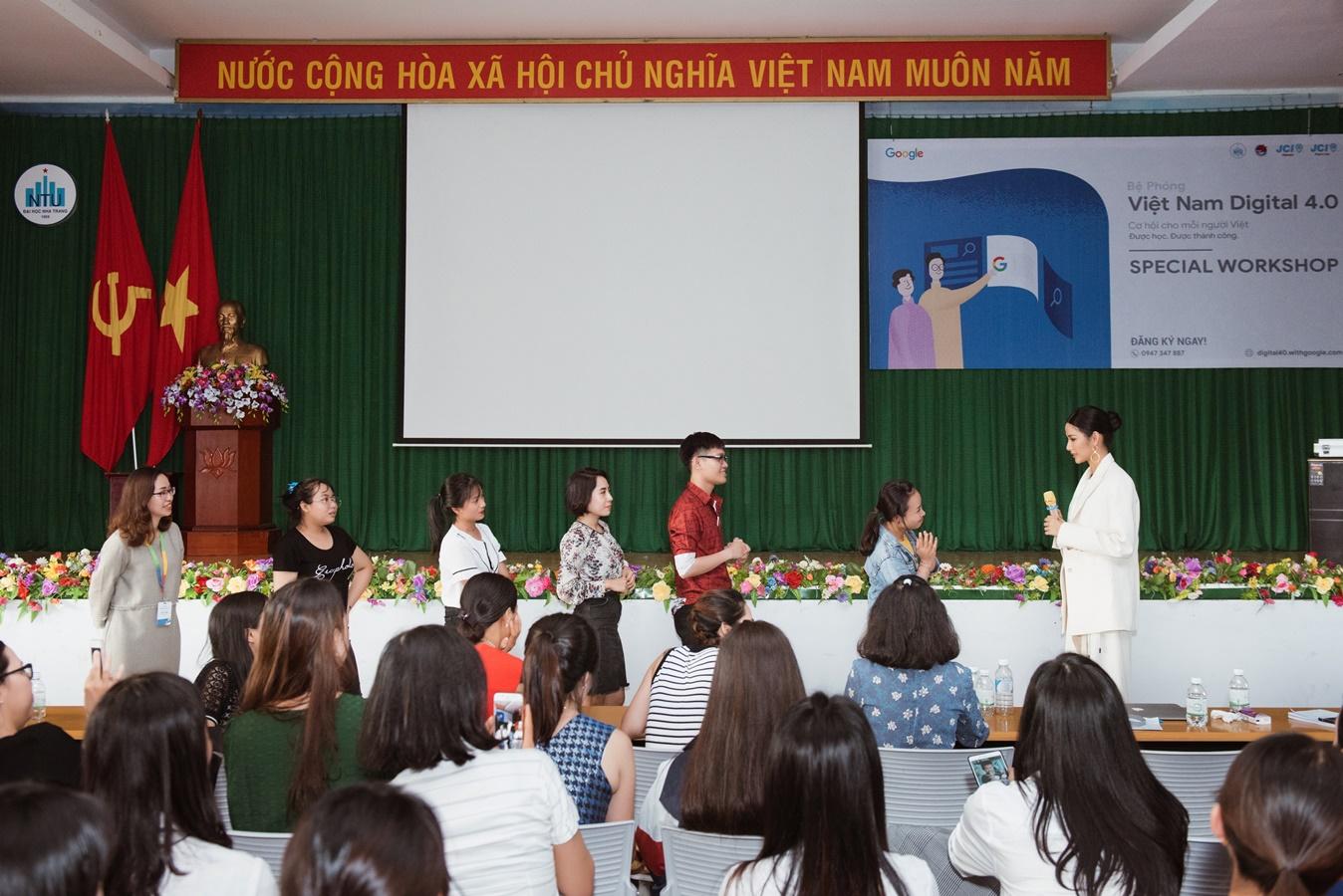 A Hau Hoang Thuy (33)