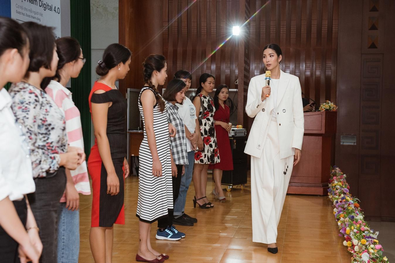 A Hau Hoang Thuy (46)