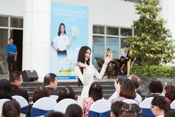 A Hau Hoang Thuy (8)