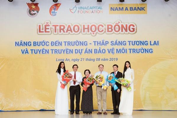 A Hau Hoang Thuy (9)