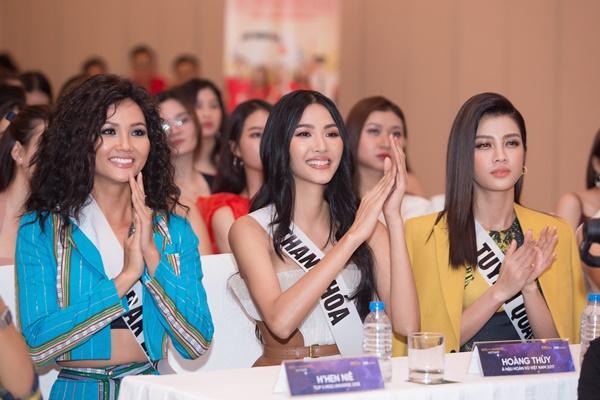 A hau Hoang Thuy (18)
