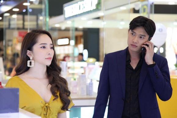 """Quỳnh Nga trở lại điện ảnh với vai Nhã trong bộ phim """"Về nhà đi con""""."""