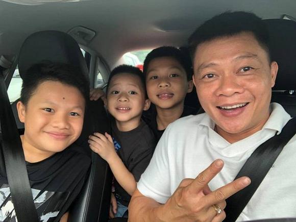 BTV Quang Minh hoang mang nhờ ca sĩ Tuấn Hưng đánh giá về con trai vì lý do này