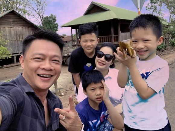 BTV Quang Minh hoang mang nhờ ca sĩ Tuấn Hưng đánh giá về con trai vì lý do này1