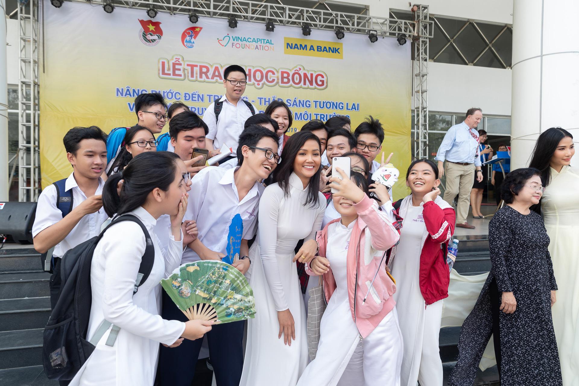 Hoa hau HHen Nie (45)