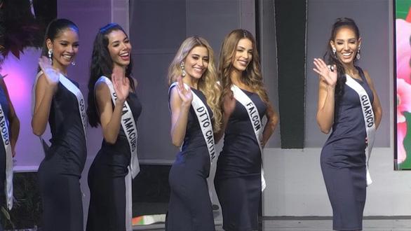 Các thí sinh dự thi Miss Venezuela 2019 - Ảnh: AFP