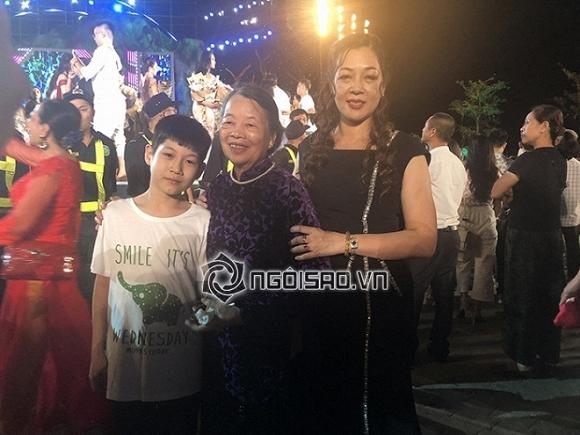 Bà ngoại, mẹ và em trai tân hoa hậu Lương Thuỳ Linh