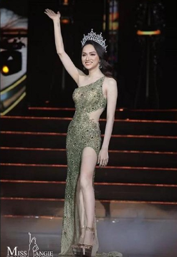 Hương Giang trong đêm chung kết Miss International Queen 2019, hôm 8/3 tại Thái Lan.