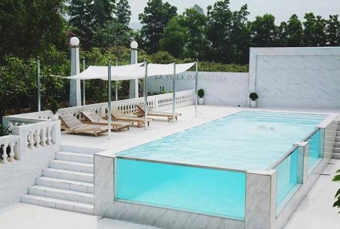 """Bể bơi thành kính """"ăn điểm"""" của khu nghỉ này."""