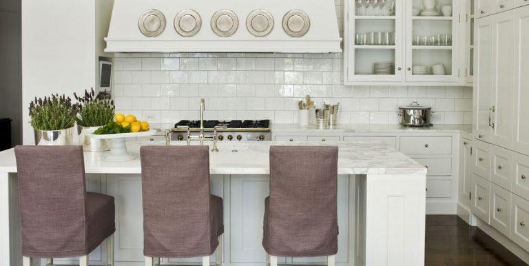 Tuy đơn giản nhưng mang đầy đủ các tính năng sử dụng tạo nên căn bếp hiện đại hơn bao giờ hết