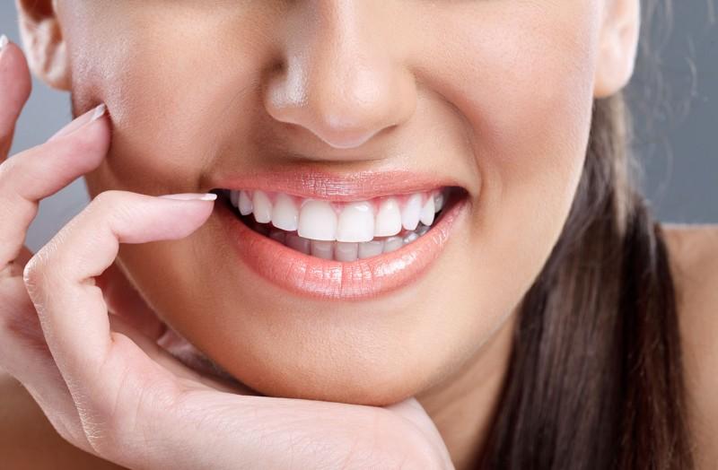 10. 5 thói quen gây hại đến răng bạn không thể ngờ đến5