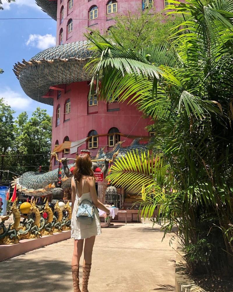 16. Bí ẩn đằng sau ngôi chùa hồng có rồng khổng lồ quấn quanh6