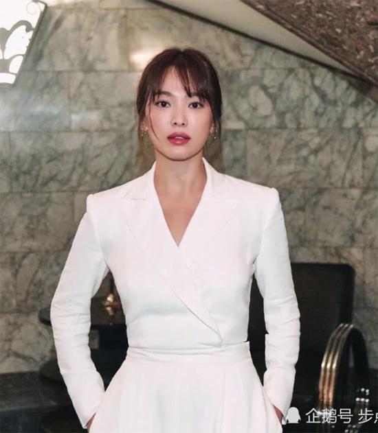 21. song hye kyo sau ly hôn2