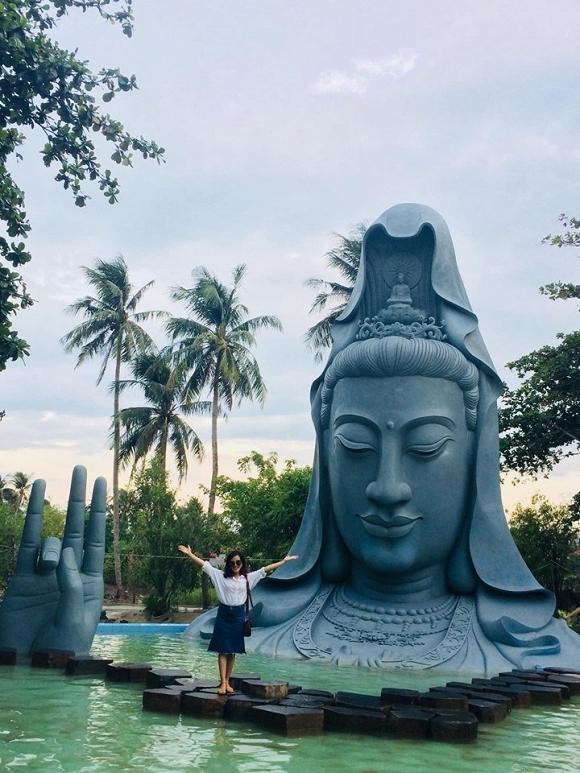 22. Tượng Quan Âm dưới nước khổng lồ lần đầu xuất hiện tại Việt Nam