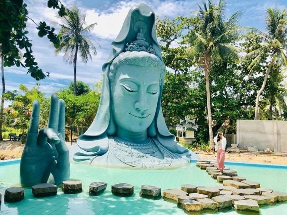 22. Tượng Quan Âm dưới nước khổng lồ lần đầu xuất hiện tại Việt Nam5