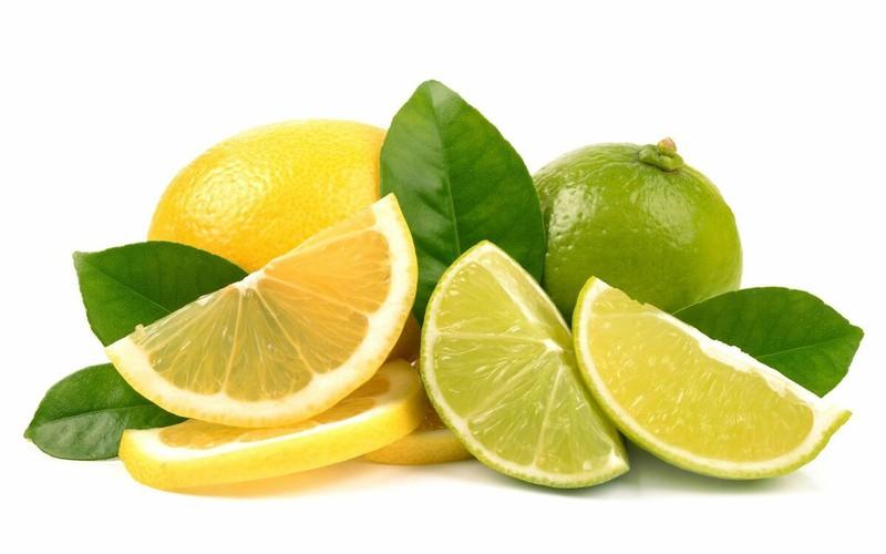 Chanh được mệnh danh là một loại trái cây để làm đẹp vì chúng rất giàu axit citric và vitamin C. Nó có chức năng ngăn ngừa và loại bỏ sắc tố da và làm cho làn da trở nên cân bằng và mềm mại.