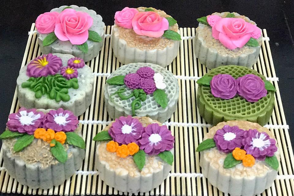 Cùng ngắm những chiếc bánh trung thu tuyệt đẹp của bà mẹ khéo tay Tô Hưng Giang.