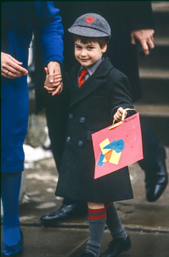 William trông hơi ngại ngùng khi mới chuyển đến trường Wetherby.
