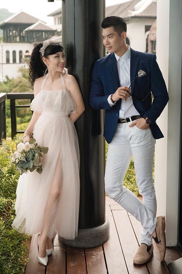 Người mẫu - diễn viên Trương Nam Thành kết hôn cùng bạn gái Thu Huyền vào tháng 11/2018. Cả hai công khai mối quan hệ từ giữa năm 2017 nhưng kín tiếng trước công chúng. Thu Huyền sinh năm 1976, lớn hơn chồng 15 tuổi, là doanh nhân thành đạt, từng đổ vỡ hôn nhân và có một con gái sinh năm 2000.