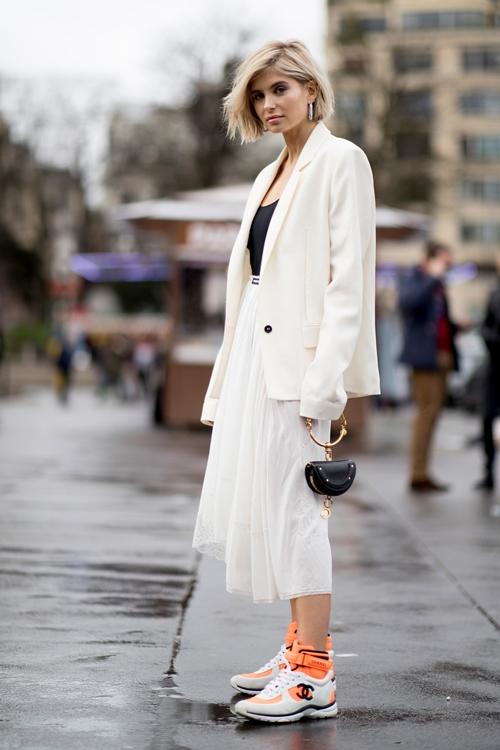 4. 4 lý do nên mặc màu trắng mùa mát1