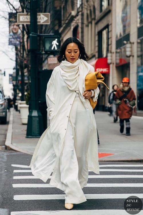 4. 4 lý do nên mặc màu trắng mùa mát12