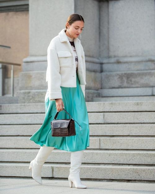 4. 4 lý do nên mặc màu trắng mùa mát2