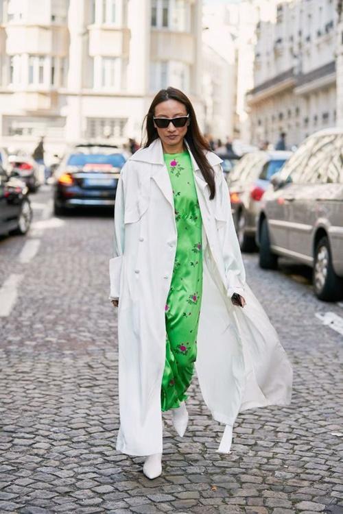4. 4 lý do nên mặc màu trắng mùa mát3