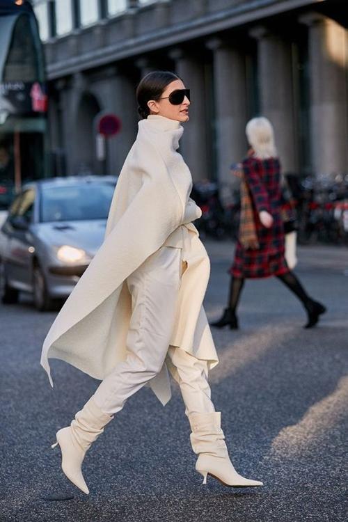 4. 4 lý do nên mặc màu trắng mùa mát7