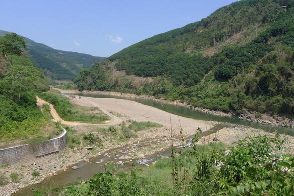 Sông Đà - nơi con sông Hồng chảy vào đất Việt, nhìn từ cột cờ Lũng Pô