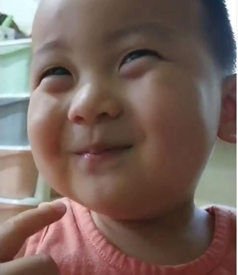 """Yiro Choi với biểu cảm cực yêu """"đốn tim"""" fan"""