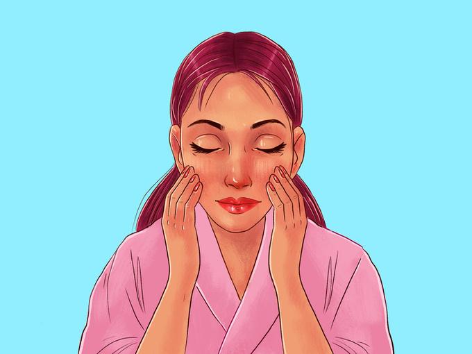 Bắt đầu từ giữa khuôn mặt, massage theo chuyển động tròn nhỏ từ trong ra ngoài, từ dưới lên trên.