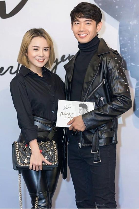 Sau công khai, Thái Trinh - Quang Đăng sánh đôi tình tứ tại các sự kiện, gameshow. Chuyện tình của cặp đôi được nhiều khán giả trẻ ngưỡng mộ.