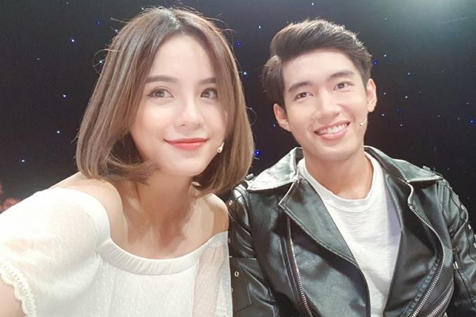 Thái Trinh - Quang Đăng thường xuyên đăng tải những video đàn hát cùng nhau. Họ cover loạt ca khúc nổi tiếng: City of stars, Nơi này có anh, Và tôi hát...