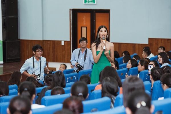 A hau Hoang Thuy (16)